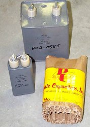 capacitors.jpg (13658 bytes)